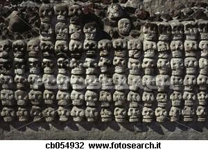 parete-crani-azteco_~CB054932
