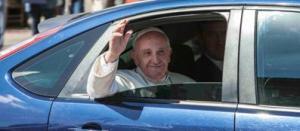 Papa_Fra2-k6d-U212792892317pp-398x174@Corriere