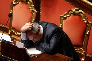 parlamentari-che-dormono-10