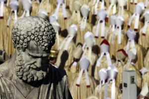 Papa Francesco, messa per il Sinodo e la beatificazione di Paolo VI