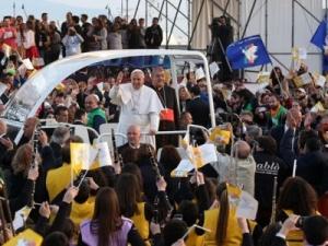 Papa-giovani-napoli-ad