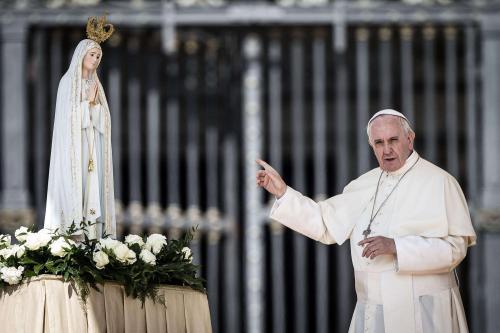 Image result for papa francesco vergine maria