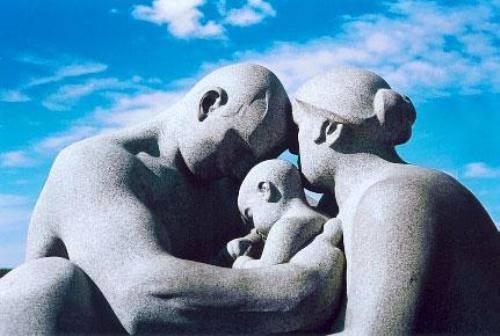 Sono due le cose che i bambini dovrebbero ricevere dai loro genitori radici e ali. J. W. Goethe