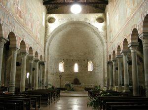 Basilica_di_san_piero_a_grado,_interno_02