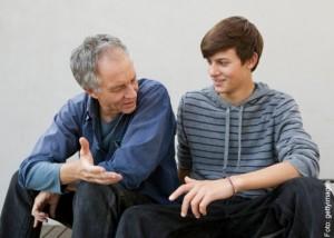 genitore-aiuta-figlio-scelta-università