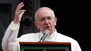 Pope-Angelus-hand