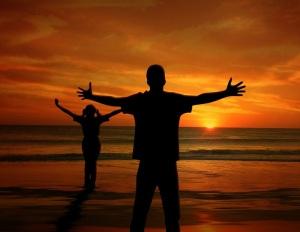 uomo_persona_tramonto_padre_figlia